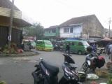Nongkrong Di Pasar